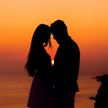 5 важных различий между родственной душой и просто партнером