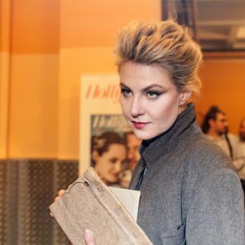 Никогда бы не узнали: Рената Литвинова появилась на обложке глянца без макияжа