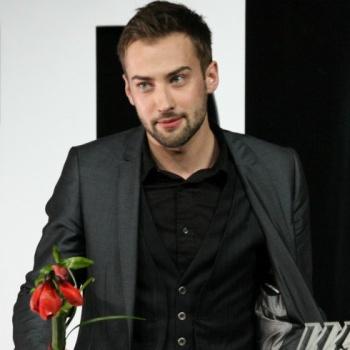 Дмитрий Шепелев встречает 8 марта с новой девушкой