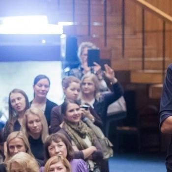"""""""Женская"""" лекция Ирины Хакамады о карьерном счастье"""