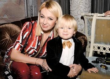 Яна Рудковская созналась, что запирает в чулане младшего сына