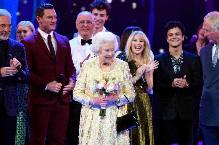 Звезды поздравили с днем рождения Елизавету II