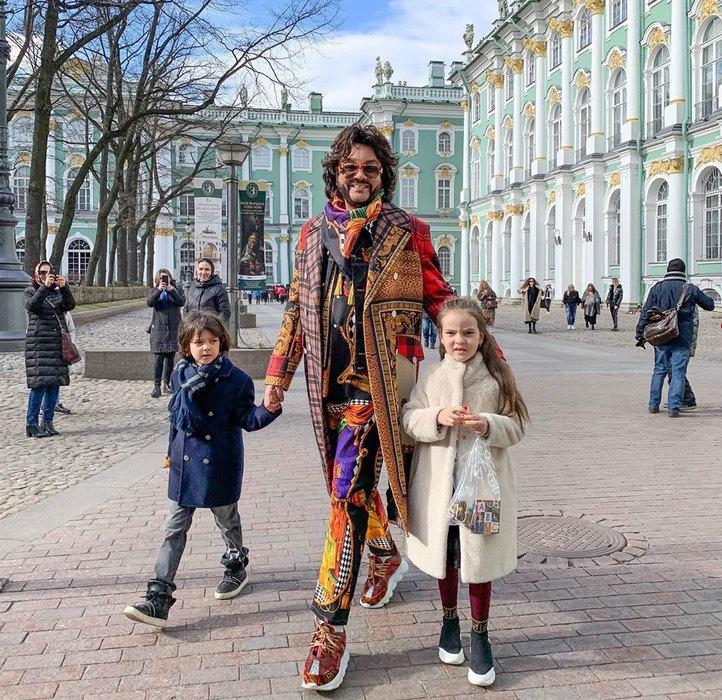 Филипп Киркоров вместе с детьми сходил в музей