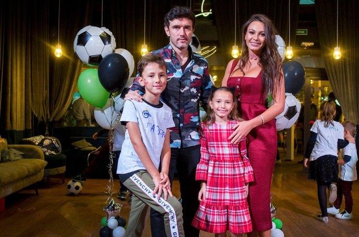 Юрий и Инна Жирковы устроили для сына праздник